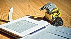 Come i robot diventano razzisti Ricerche condotte alla Princeton University rivelano che le intelligenze artificiali siano capaci di imparare, attraverso le tecnologie di apprendimento automatico, alcuni difetti dell'essere umano. #robot #tecnologia #hi-tech