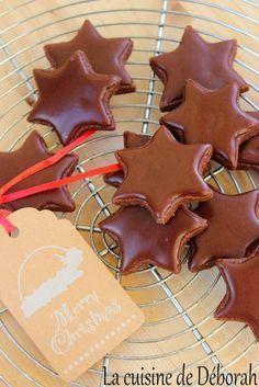 Etoiles glacées au chocolat, bredele, bredala, Noël, Alsace. Chocolate christmas cookies recipe!