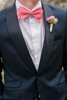 Preppy Groom with a Patterned Bow Tie | Jessica Gold Photography | Vintage Chic Pink and Gold Glitter