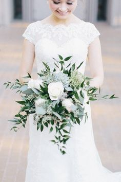Elegant wedding bouquet idea- succulent wedding bouquet with white flower and greenery {Meredith Parnell}