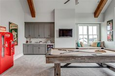 Wet Bar and Bench Seating in the Bonus Room overlooking incredible view Fairway 4 Hideaway at Arrington Golf Course
