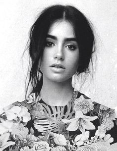 Print black and white portrait- lilly collins Perfect People, Pretty People, Beautiful People, Foto Art, Famous Faces, Pretty Face, Makeup Looks, Hair Makeup, Eye Makeup