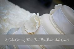 How to Cut the Wedding Cake!  Video For The Bride And Groom. #weddingplanning #reception #weddingcake