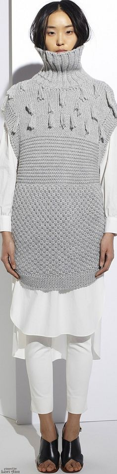 Apiece Apart Fall 2015 Ready-to-Wear Fashion Show Knitwear Fashion, Knit Fashion, Fashion Show, Womens Fashion, Fashion Design, Knitting Wool, Knitting Designs, Missoni, Pulls