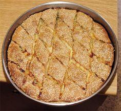 Ενα βραβευμένο κρητικό μπουρέκι παρουσιάζουν σήμερα οι ´Γεύσεις Κρήτης´, η εκπομπή παραδοσιακής μαγειρικής που προβάλλεται μέσα από την ιστοσελίδα των ´Χ.Ν.´. Στο 24ο, λοιπόν, επεισόδιο, η νοικοκυρά κυρία Ειρήνη Πάλλα στο Μεϊντάνι, μας παρουσιάζει ένα... Quiche, Pie, Breakfast, Desserts, Food, Food Food, Torte, Morning Coffee, Tailgate Desserts