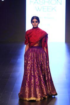 By designer Payal Khandwala. Bridelan - Personal shopper & style consultants for Indian/NRI weddings, website www.bridelan.com #PayalKhandwala #LakmeFashionWeek2016 #weddinglehenga #Bridelan #BridelanIndia www.bridelan.com/