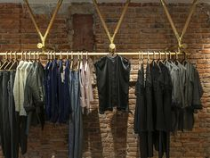 Yakampot cloth hanging system by Tuux