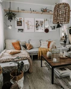 A mix of mid-century modern bohemian and industrial interior style. Home and 2019 A mix of mid-century modern bohemian and industrial interior style. Home and apartment decor decoration ideas home design bedroom living room dining room kitchen bathroom Boho Living Room, Interior Design Living Room, Home And Living, Living Room Designs, Design Bedroom, Clean Living, Bedroom Ideas, Bed In Living Room, Small Living