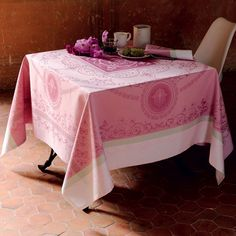 Garnier Thiebaut Eugenie Candy Table Linens | Gracious Style