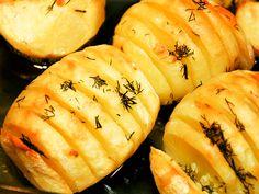 Schwedenkartoffeln / Gebackene Kartoffeln Eine einfache aber sehr leckeres Art Kartoffeln zuzubereiten. Unbedingt probieren! http://einfach-schnell-gesund-kochen.de/schwedenkartoffeln-gebackene-kartoffeln/