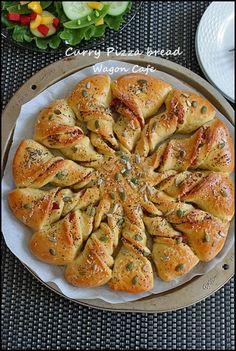 ちぎりカレーPIZZA パン**Curry Pizza Bread : Wagon Cafe