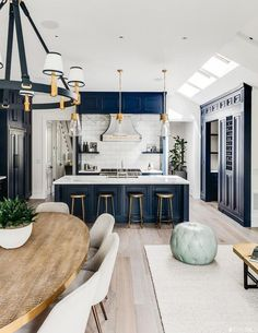 The Full House Victorian at 1709 Broderick Street in San Francisco has undergone a major 2 million makeover and is back on the market. Interior Design, House Interior, House Rooms, House, Home, Interior, San Francisco Houses, House Inspo, Home Decor