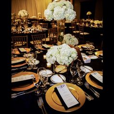Black and Gold Wedding Tablescape | The Coordinated Bride @thecoordinatedbride Instagram photos |