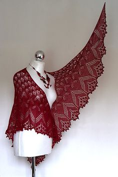 Gorgeous!  Who can make me one of these?????  Ravelry: Dobranoc's Aeolian shawl