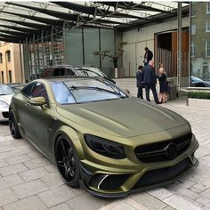 The best luxury cars. Luxury sports cars are created to go fast. A flat and nice body design makes it even cooler. Like this car. Mercedes Auto, Mercedes Benz Amg, Mercedes Sports Car, Benz Car, Custom Mercedes, Luxury Sports Cars, Cool Sports Cars, Best Luxury Cars, Dream Cars