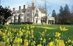 A spring view of Coe Hall.  ThePlanting Fields Arboretum State Historic Park, which includes theCoe Hall Historic House Museum, is anarboretumand state park covering over 400 acres located in theVillage of Upper Brookvillein the town ofOyster Bay, New York.  Near the end of America'sGilded Age, the estate namedPlanting Fieldswas the home ofWilliam Robertson Coe.