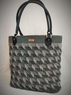 Crocheted handbag – My crochet bag, Handmade BarunKa-fa … – Bags Diy Drawstring Purse, Plaid Crochet, Crochet Market Bag, Crochet Handbags, Brown Bags, Knitted Bags, Crochet Fashion, Handmade Bags, Wallets For Women