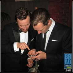 Wld love to know what hes showing him!!!! ;) Benedict & Michael (Golden Globes 2014)