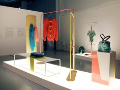 fabrica: objet coloré modular store display system