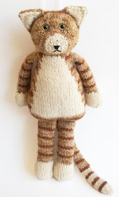 Animal toy knitting patterns: Rudy the cat by The Byrd's nest