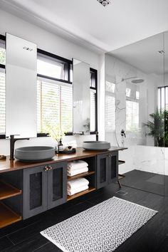 White House Interior, Condo Interior, Modern Home Interior Design, Bathroom Interior Design, Interior Architecture, Black And White Interior, Black Home, Black Architecture, Interior Design Singapore