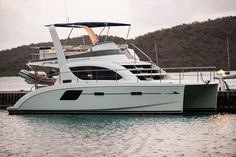 The Aquila 38 power catamaran features a host of upgraded amenities. Spacious…