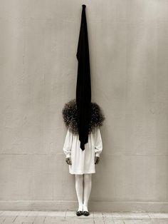 Leslie Weiner in Yohji Yamamoto, London,1989 by Albert Watson