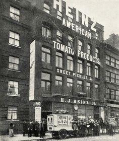 (ex) Heinz Building. Victorian London, London History, British History, Old London, Vintage Photographs, Vintage Photos, London Street Photography, Hatton Garden, Old Street