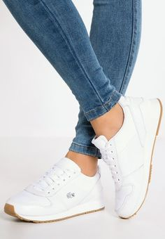 Trendy Sneakers 2018 Lacoste TRAJET Baskets basses white chez Zalando - Go to Source - Lacoste Sneakers, Sneakers Mode, Sneakers Fashion, Fashion Shoes, Lacoste Shoes Women, Men Sneakers, Sneaker Outfits, Nike Outfits, White Shoes Outfit Sneakers