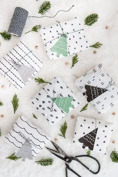 Christmas Gift Wrapping Ideas You'll Definitely Want To Try No Fancy Gift Wrapping Techniques Required For These Stunning Present Wrapping Ideas Christmas Gifts Via Elegant Gift Wrapping Gift Wrapping Elegant Gift Wrapping, Diy Wrapping Paper, Creative Gift Wrapping, Wrapping Ideas, Printable Wrapping Paper, Wrapping Papers, Present Wrapping, Christmas Gift Wrapping, Handmade Christmas