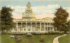 Circa 1910 postcard of the Athenaeum Hotel at Chautauqua. From the Chautauqua Institution Archives.