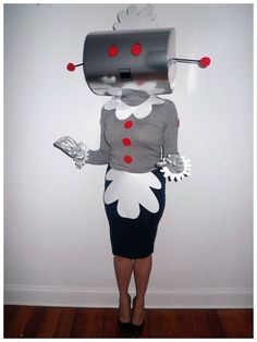 Rosie the Robot from The Jetsons Costume - Halloween Halloween Make, Diy Halloween Costumes, Halloween Cosplay, Holidays Halloween, Halloween Decorations, Homemade Costumes, Homemade Halloween, Halloween Halloween, Vintage Halloween