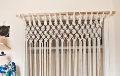 Risultati immagini per macrame cortinas Closet Curtains, Curtain Room, Room Divider Curtain, Diy Room Divider, Diy Curtains, Room Dividers, Macrame Curtain, Macrame Plant Hangers, Diy Bed
