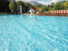OOSTENRIJK Hall AG Camping. Rustige camping in oudste stadje van Tirol met groot zwembad gratis voor gasten. Gemakkelijke busverbinding naar Innsbruck.
