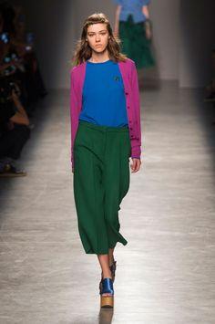 Fashion Wire Press - Rochas Rochas Spring Summer 2017 Paris undefined