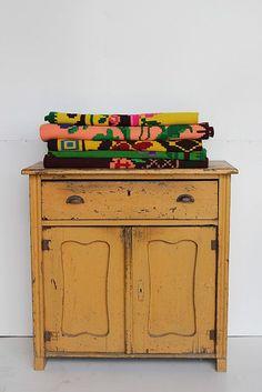 Vintage cabinet with colorful kelims from De Vintageloods