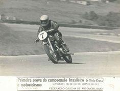 Lucílio Baumer em Tarumã – 21 de março 1973 – Campeonato Brasileiro – 1º Lugar – Acervo Lucílio Baumer / Motostory Motorcycle, Vehicles, March 21, Motorcycles, Car, Motorbikes, Choppers, Vehicle, Tools