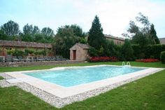 Villa's shared facilities include a large ecological swimming pool with salty water open from May to September. All the services offered, like the pool and the restaurant, are exclusive to the guests of Tenuta Castel Venezze. Half Board, Villas In Italy, Italy Holidays, Ecology, Venice, Swimming Pools, Tourism, Relax, Farmhouse