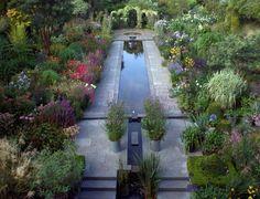 Helen Dillon's Dublin Garden in July, Gardenista