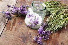 Lavender-Lemon Blueberry Muffins (recipe) Sprinkle the tops with lavender sugar! Lemon Blueberry Muffins, Blue Berry Muffins, Choc Muffins, Lavender Buds, Lavender Oil, Lavander, Homemade Beauty Recipes, Cocina Natural, Flower Food