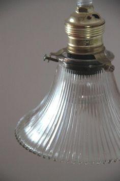 liberty lampe suspension ancien abat jour en opaline blanche plate http www. Black Bedroom Furniture Sets. Home Design Ideas