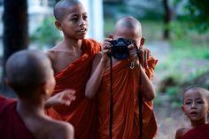 https://flic.kr/p/Nie17j | fuji camera workshop | delivering a quick yoot workshop in monywa, myanmar - each one teach one