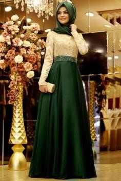 Pınar Şems Zümrüt Kabarık Büyülü Tesettür Abiye Elbise