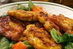 Díky minerální vodě je těsto lehké a zároveň aromatické. Přidejte svůj oblíbený Tandoori Chicken, Curry, Food And Drink, Meat, Dinner, Cooking, Ethnic Recipes, Beef, Dining