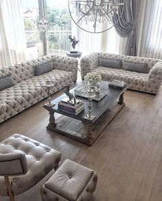 33 ideas apartment living room luxury couch for 2019 New Living Room, Living Room Modern, Living Room Sofa, Apartment Living, Home And Living, Living Room Designs, Living Room Decor, Chesterfield Living Room, Chesterfield Sofas