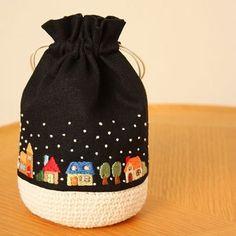 ❄️ . 雪の街巾着を作りました。 . . #刺繍#手刺繍#ステッチ#手芸#embroidery#handembroidery#stitching#자수#broderie#bordado#вишивка#stickerei#雪#巾着
