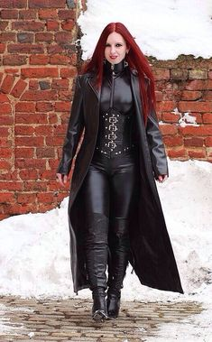 Corset En Cuir, Leather Corset, Leather And Lace, Black Leather, Leather Pants, Mode Latex, Leder Outfits, Latex Girls, Gothic Girls