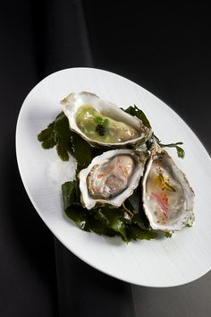 """Oysters from """"Marennes"""": green apple, wasabi, lemongrass@ Le Cinq"""