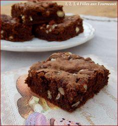 """Je vous ai déjà proposé le gâteau chocolat - courgettes il y a quelques années (recette ici, clic) et cette fois, c'est une version un peu différente que je vous propose. La recette vient du blog """"Cléa cuisine, recettes bio et veggie pour tous"""". Ingrédients..."""