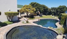 63 Whale Rock - 2 Bedroom luxury apartment fully equipped, completed with modern fittings.Situated from central town on the ground floor of a quiet cul-de-sac seafront complex with 24 hour onsite security.